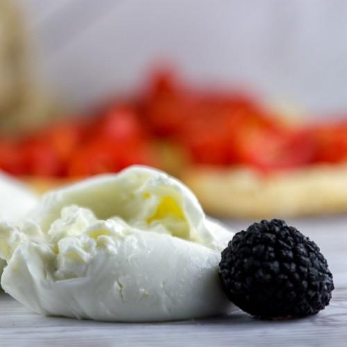 Burratina da 50 g al Tartufo Surgelata IQF - busta da 1 Kg